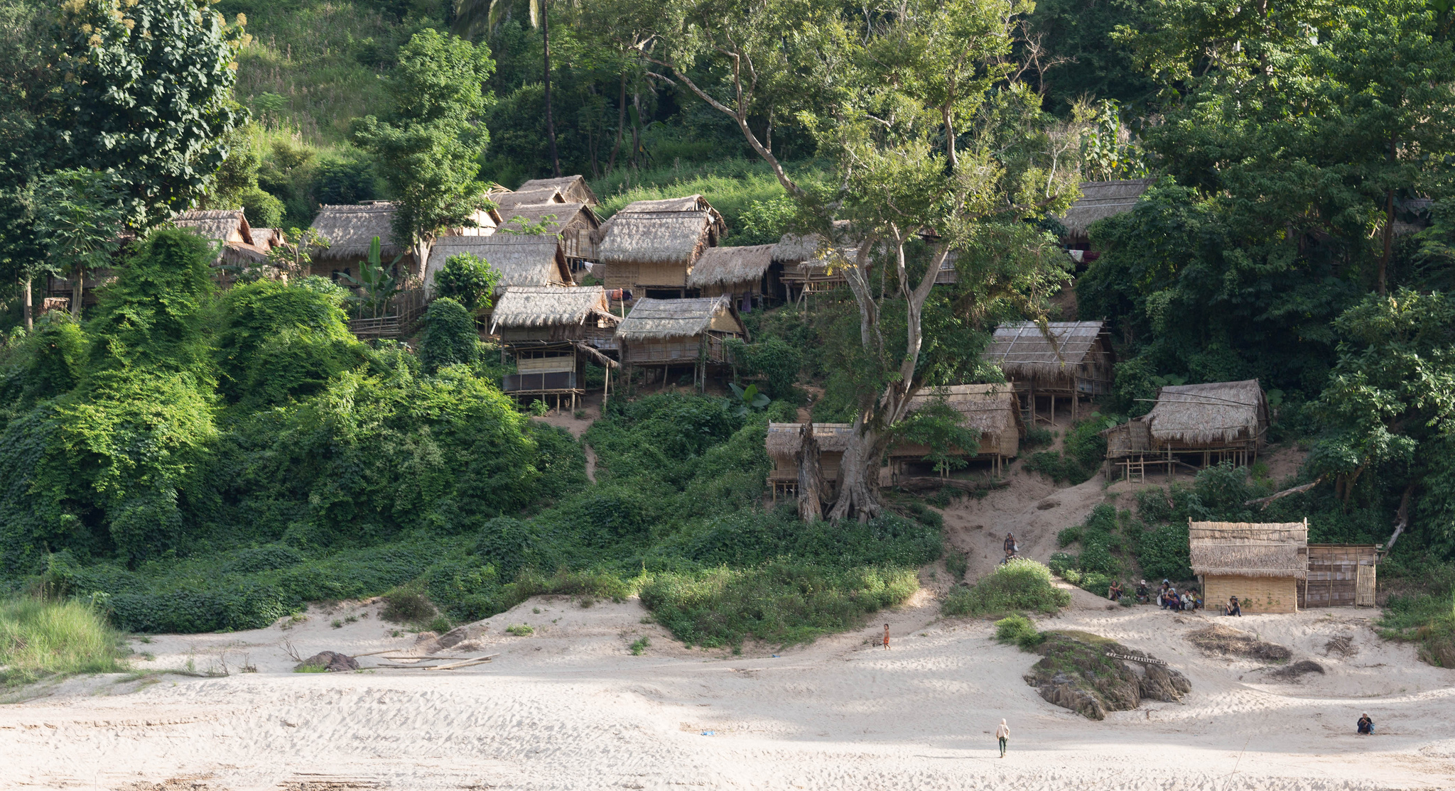 Village Along The Mekong River - Insight To Asia Tours